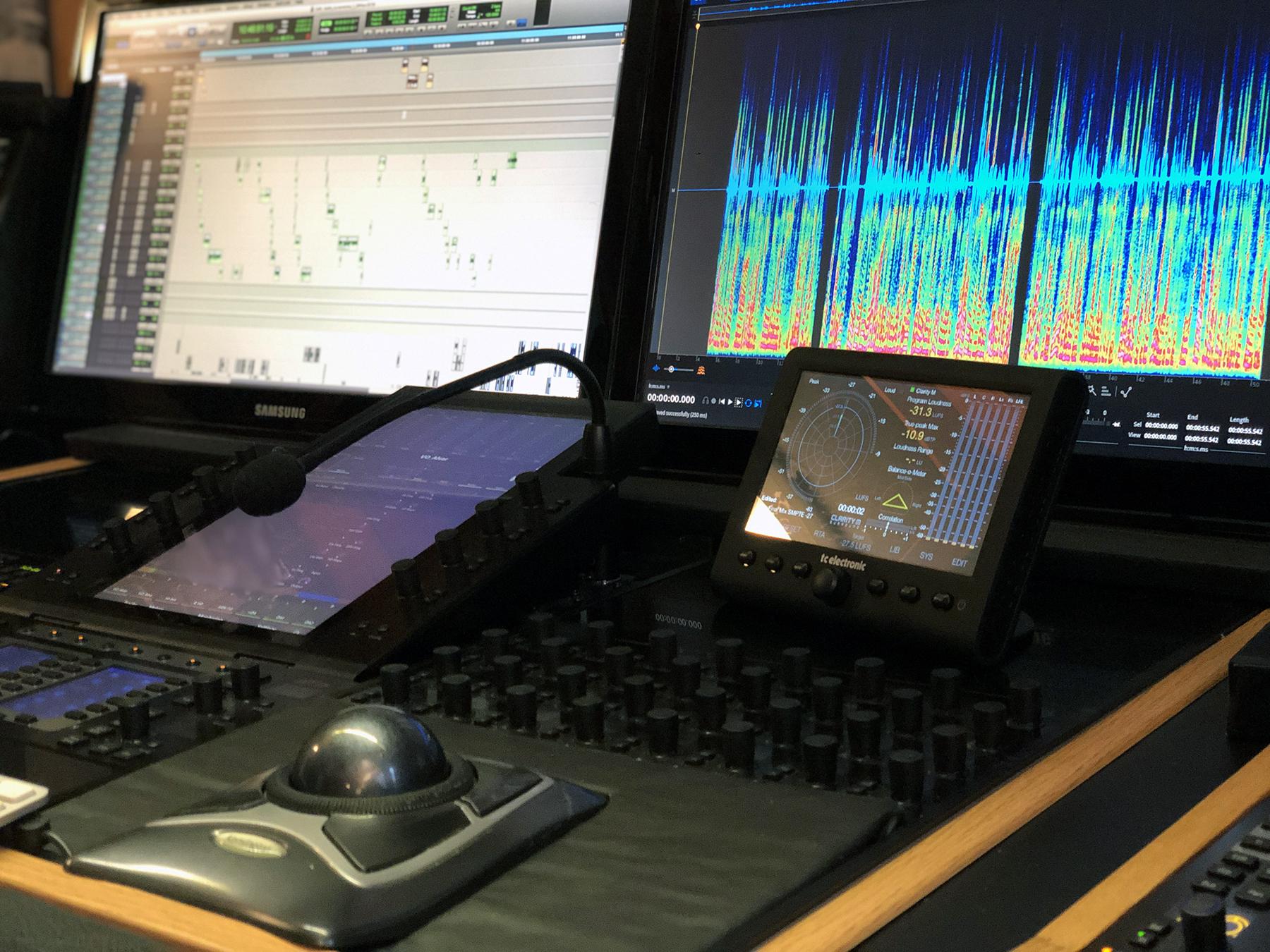 avid-S6-mixerbord